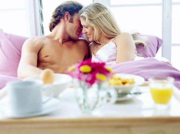 Resultado de imagem para O encontro mais íntimo não é o sexual, e sim despir-se emocionalmente