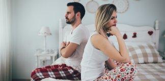 5-coisas-que-uma-mulher-faz-que-a-deixa-desinteressante-para-um-homem