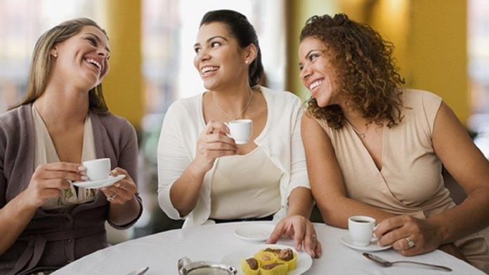 """Resultado de imagem para Às vezes, tomar um café com uma amiga é a única terapia que você precisa"""""""