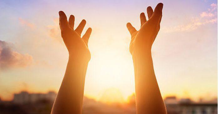 deus-quer-nos-mostrar-que-apenas-diante-da-nossa-propria-fe-nos-levantamos