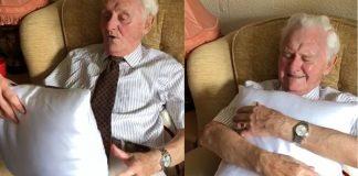 idoso-de-94-anos-chora-de-emocao-ao-ganhar-almofada-com-foto-da-esposa-falecida