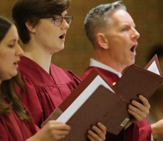ritmo-do-canto-gregoriano-diminui-ansiedade-de-maes