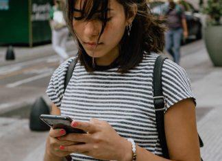 a-carencia-te-torna-aquela-pessoa-que-sempre-manda-mensagens-sem-esperar-as-respostas