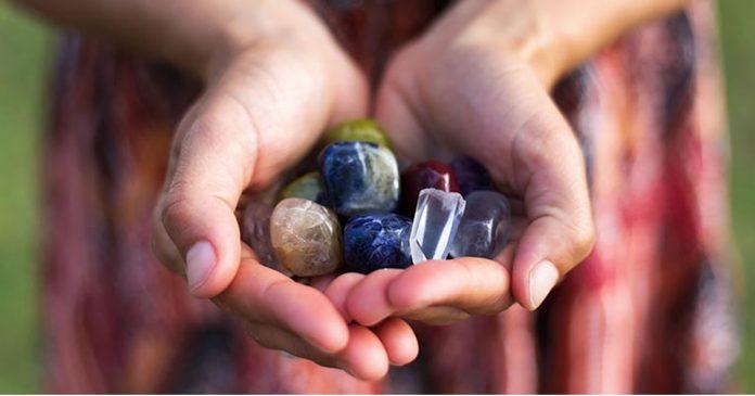 tratamentos-com-cristais-estao-ajudando-a-vencer-a-epidemia-do-estressetratamentos-com-cristais-estao-ajudando-a-vencer-a-epidemia-do-estresse