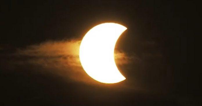 trabalho-dos-sonhos-empresa-paga-ate-r-20-mil-pra-voce-ver-eclipse-na-argentina