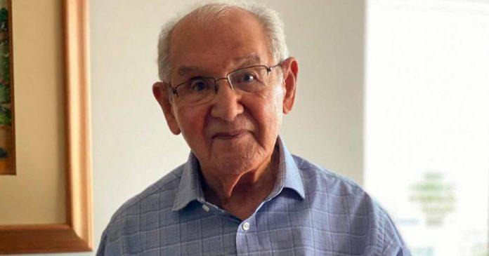 aos-104-anos-idoso-conclui-doutorado-em-plena-pandemia