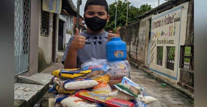 menino-de-9-anos-usa-economias-para-ajudar-comunidade-carente