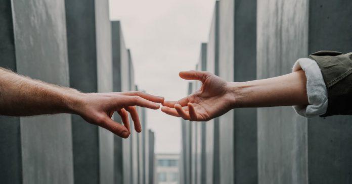quem-tem-empatia-constroi-pontes-quem-nao-tem-constroi-muros