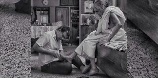 filho-da-banho-e-corta-as-unhas-da-mae-de-98-anos-todos-os-dias-grato-a-vida-que-ela-lhe-deu