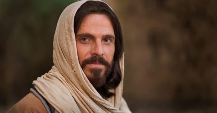essa-oracao-de-cura-dita-varias-vezes-por-dia-desperta-a-compaixao-de-jesus-diz-papa-francisco
