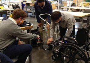 carrinho-feito-pelos-alunos-para-pai-cadeirante
